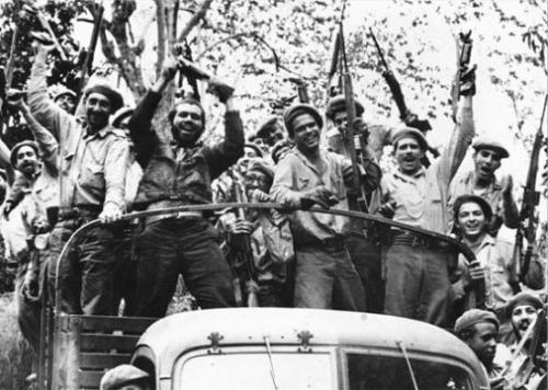 Politique, 17 avril 1961, bombardements, crise des missiles, Cuba, Etas-Unis, Fidel Castro, Guerre Froide, La Baie des cochons, non aligné, URSS